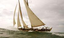 So Fong está navegando en Sicilia