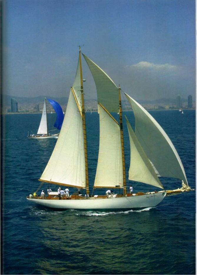 Charter con estilo: Vela clásica de época – STP